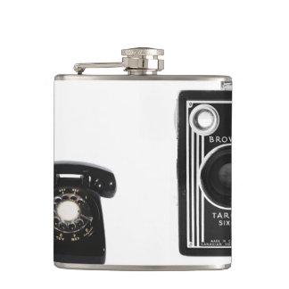 ヴィンテージの電話およびカメラの写真のフラスコ フラスク