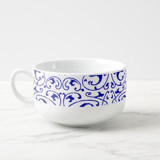 ヴィンテージの青および白い渦巻 スープマグ