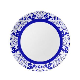 ヴィンテージの青および白い渦巻 磁器プレート