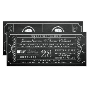 ヴィンテージの黒板のチケットの結婚式のリハーサルの夕食 招待状