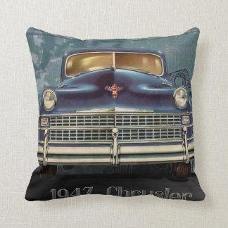 ヴィンテージの1947年クライスラ車の自動車、装飾用クッションの クッション