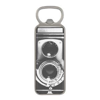 ヴィンテージのb&wのカメラ マグネット栓抜き
