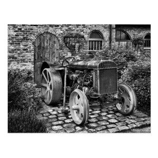 ヴィンテージのFordsonのトラクター、Bredburyホール ポストカード