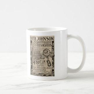 ヴィンテージのIverジョンソンの火器リボルバーコーヒー・マグ コーヒーマグカップ