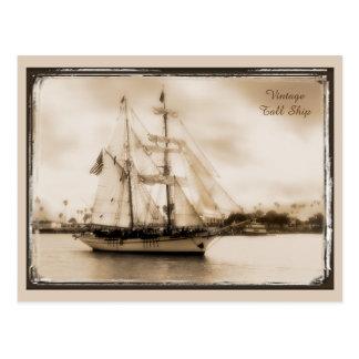 ヴィンテージは高い船の郵便はがきにブラウンある調子を与えました ポストカード