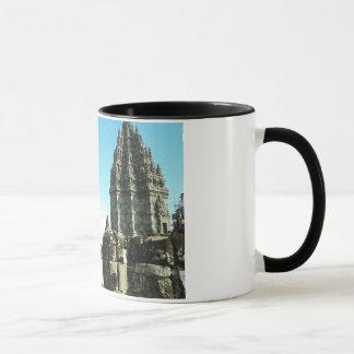 ヴィンテージインドネシア、ジャワのPrabanamのヒンズー教の寺院、 マグカップ