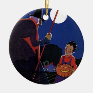 ヴィンテージハロウィンの男の子を持つ気色悪い魔法使い セラミックオーナメント