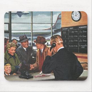 ヴィンテージビジネス、航空券のカウンターの人々 マウスパッド