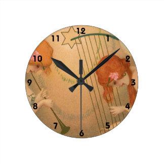 ヴィンテージ音楽ビクトリアンな天使のミュージシャンのフルートのハープ ラウンド壁時計