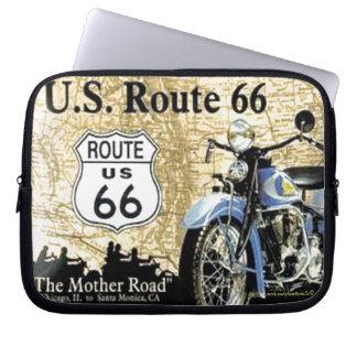 """ヴィンテージ-米国のルートの66オートバイの広告"""" ラップトップスリーブ"""