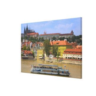 ヴルタヴァ川著プラハ城そして町の眺め キャンバスプリント