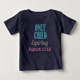 一人っ子の切れる警官のベビーの発表 ベビーTシャツ