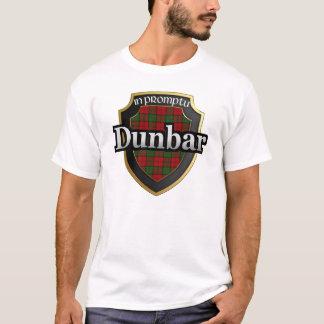 一族のDunbarスコットランドのタータンチェックの王朝 Tシャツ