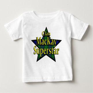 一族のMacKayのスーパースターの乳児のTシャツ ベビーTシャツ