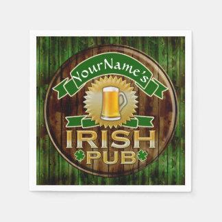 一流のアイルランドのパブの印のセントパトリックの名前入りな日 スタンダードカクテルナプキン