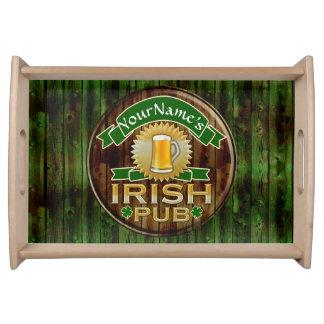一流のアイルランドのパブの印のセントパトリックの名前入りな日 トレー
