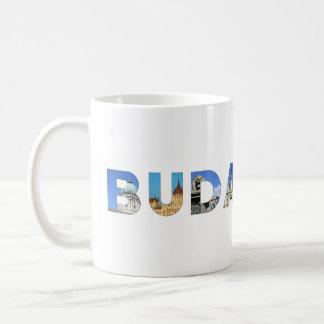 一流の文字の中のブダペスト都市ハンガリーの陸標 コーヒーマグカップ