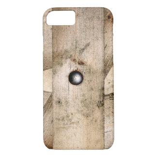 一緒にボルトで固定される古い木の板 iPhone 8/7ケース