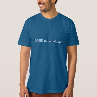 一致はユニークである臆病者の…挑戦のためです! Tシャツ