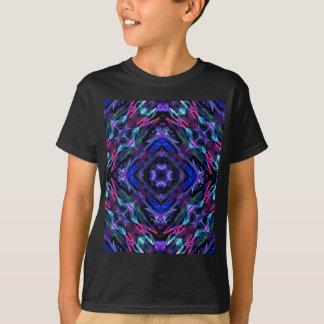 万華鏡のように千変万化するパターンのフラクタル209 Tシャツ