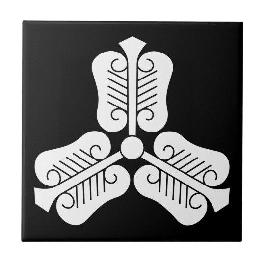 三つ唐団扇 正方形タイル小