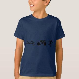 三トライアスロンの水泳のバイクによって走られる黒く豊富なデザイン Tシャツ