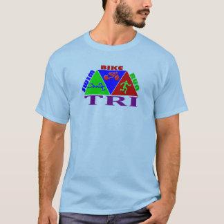 三トライアスロンの水泳のバイクの操業ピラミッドのデザイン Tシャツ