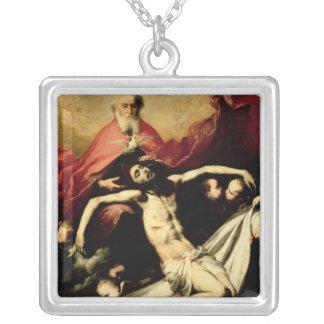 三位一体、c.1635 シルバープレートネックレス