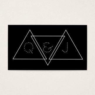 三角の最小主義の幾何学的でモダンなモノグラム 名刺