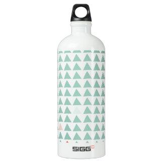 三角形の真新しい蜜柑 ウォーターボトル