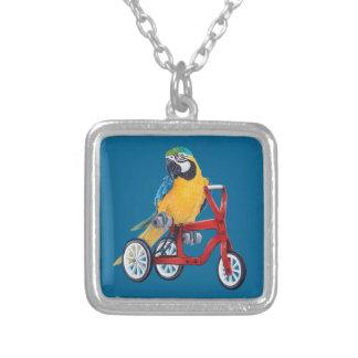 三輪車のバイクのオウムのコンゴウインコ シルバープレートネックレス
