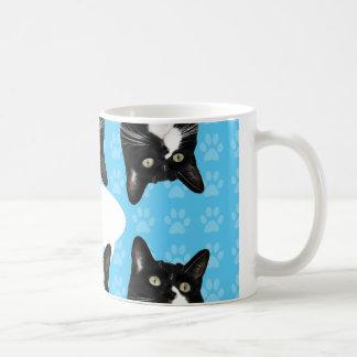 三重のかわいい子猫 コーヒーマグカップ
