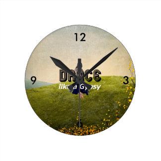 上のダンスのジプシー ラウンド壁時計