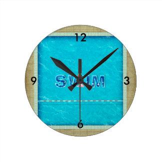 上の水泳の子供 ラウンド壁時計