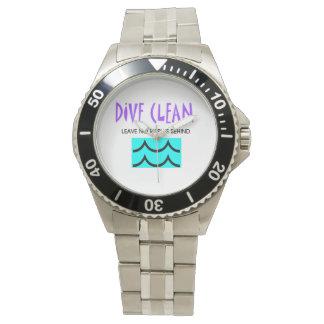 上の飛び込みはさざ波をきれいにしません 腕時計