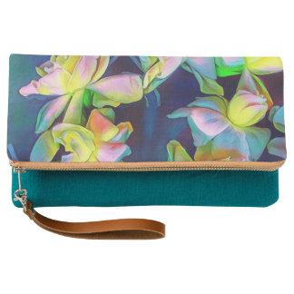 上品なティール(緑がかった色)の花のクラッチの財布 クラッチバッグ