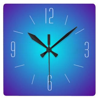 上品な青によって照らされるデザイン>柱時計 スクエア壁時計