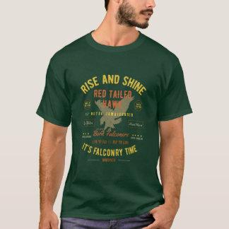 上昇はそれをです鷹狩の時間赤によって後につかれるタカ照らし、 Tシャツ