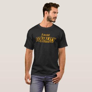 """上昇は""""平等ワインを飲む演劇""""のTシャツです Tシャツ"""