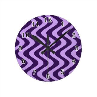 不安定な波(薄紫かバイオレット) ラウンド壁時計