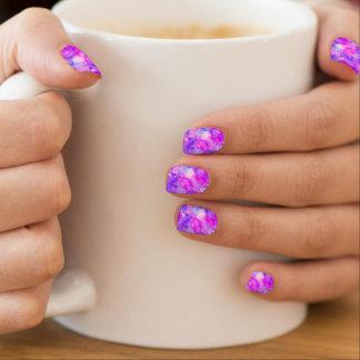 不思議な水彩画ピンク及び紫色 ネイルアート