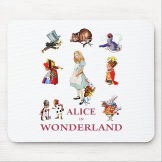 不思議の国からのアリスそして彼女の友人 マウスパッド