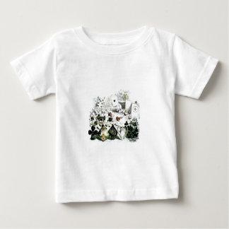 不思議の国のカジノカードのアリス ベビーTシャツ