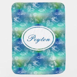 不思議の国の名前のティータイムの青い水毛布のアリス ベビー ブランケット