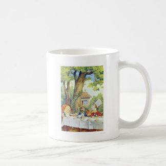 不思議の国の帽子屋のお茶会のアリス コーヒーマグカップ