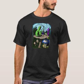 不思議の国の幼虫Colorizedアリス Tシャツ