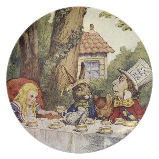 不思議の国の気違いのお茶会のプレートのアリス パーティー皿