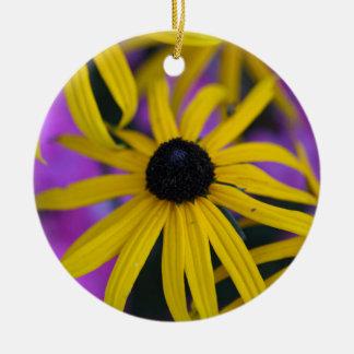 不断のconeflower (ルドベキアのfulgida) セラミックオーナメント
