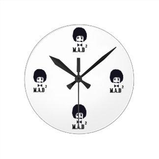 不機嫌は時計を平方しました ラウンド壁時計