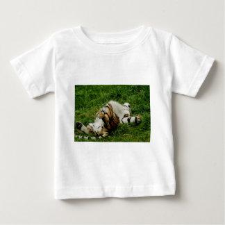 不精な日のトラの乳児のTシャツ ベビーTシャツ